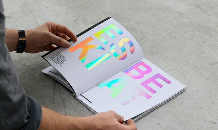 holograms-700x418 Graphic design trends 2019: What will be predominant this year