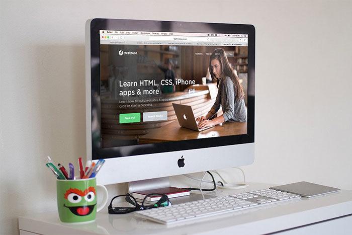 imacmockuppsd-700x467 iMac Mockup Collection: Free and Premium Computer Mockups (PSD)