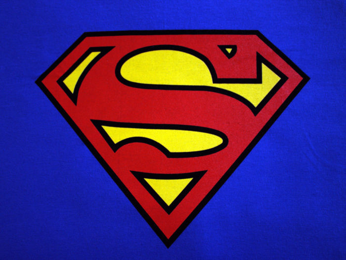 superman-700x525 Superhero logos:The symbols of the comic book universe