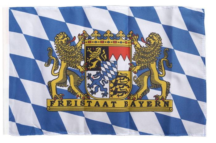 cờ-700x465 Logo của BMW có ý nghĩa như thế nào và nó đã được thay đổi một chút qua các năm