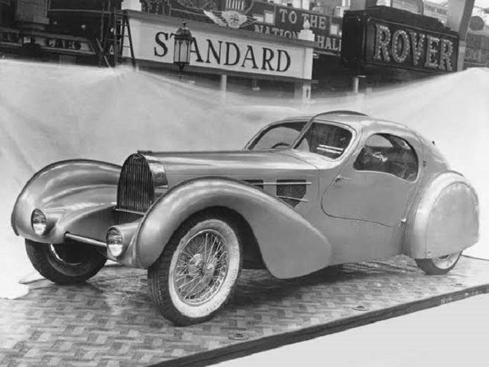 s1-413 The Bugatti logo and how this emblem became a symbol