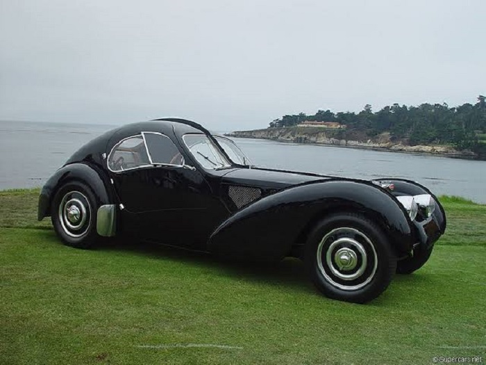 s1-414 The Bugatti logo and how this emblem became a symbol