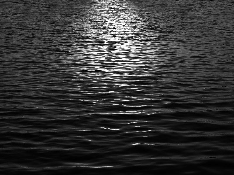 1Moonlight-Water-Texture-Free-In-the-light-of-the-moon Téléchargez ces magnifiques textures de fond dès maintenant