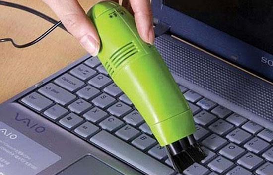 Keyboard vacuum