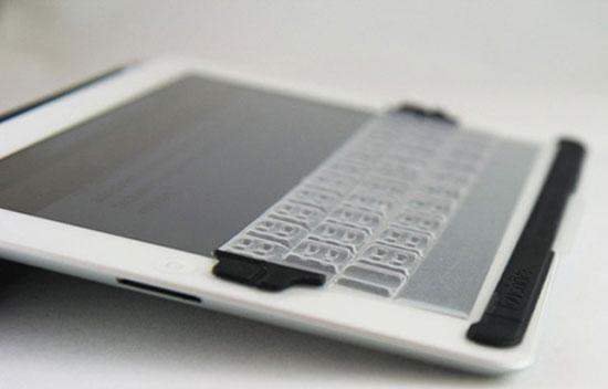 Physical keyboard for iPad