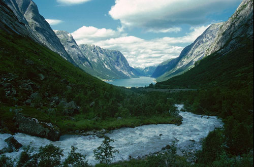 Kjosnesfjorden, Norway
