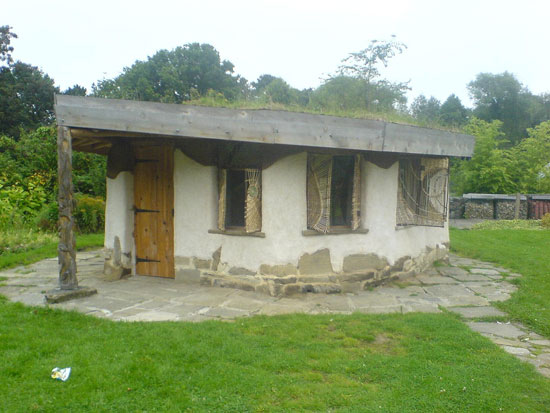 2189513772_54df874201_b 25 Eco Friendly Houses Made With Natural Materials