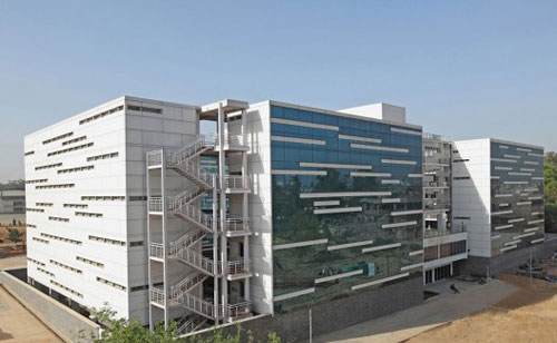 Dental College in New Delhi, India - Educational Buildings Architecture Inspiration