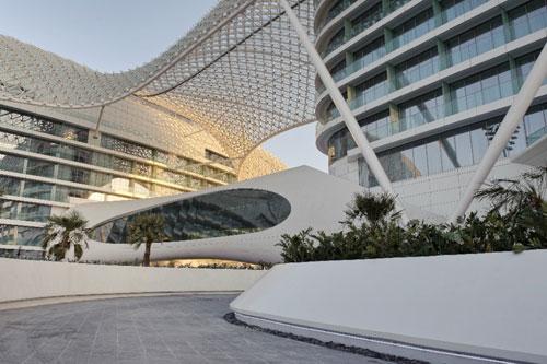 The Yas Hotel in Abu Dhabi, UAE 3 - Inspiring Hotels Architecture