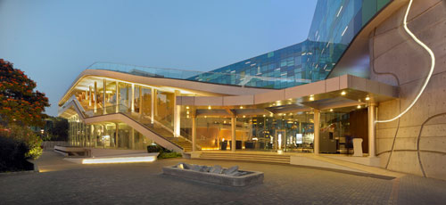 Vivanta Hotel in Whitefield, Bangalore, India 2 - Inspiring Hotels Architecture