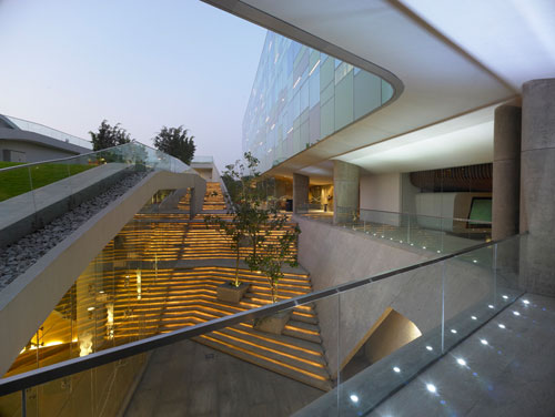 Vivanta Hotel in Whitefield, Bangalore, India 4 - Inspiring Hotels Architecture
