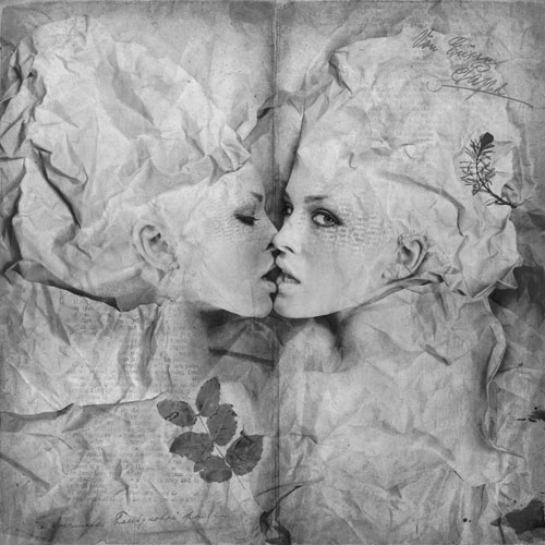 Kissing pages Photo Manipulation
