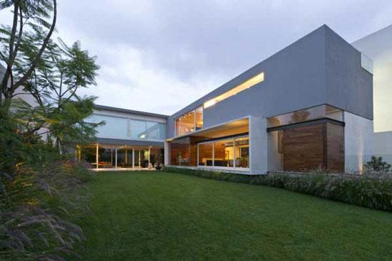 AE House 1 Luxurious House