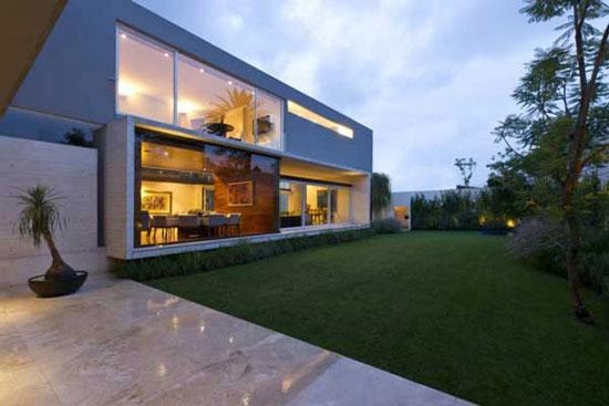 AE 3 Luxurious House