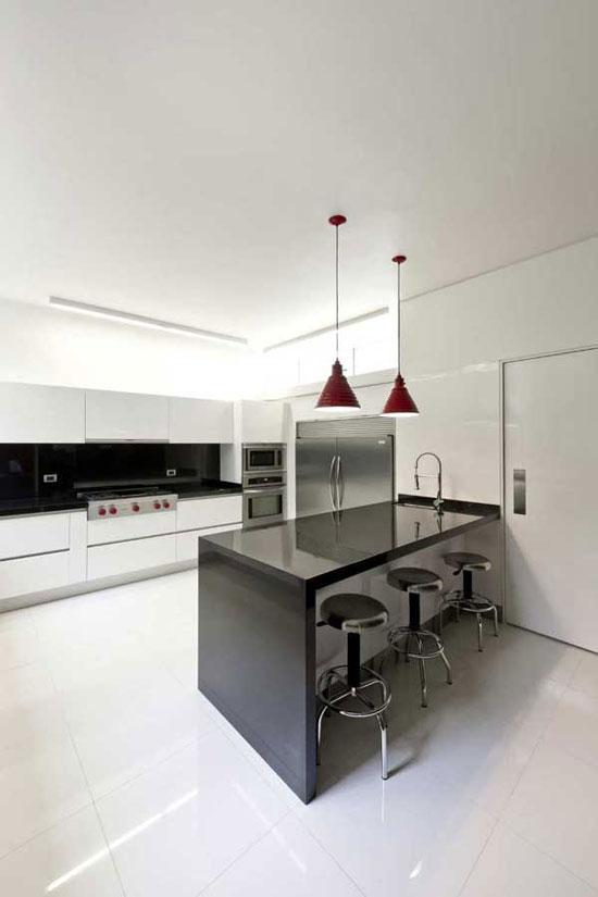 AE 5 Luxurious House