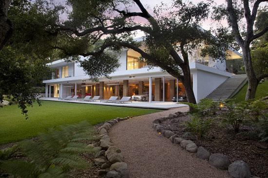 Glass Pavilion 2 Luxurious House