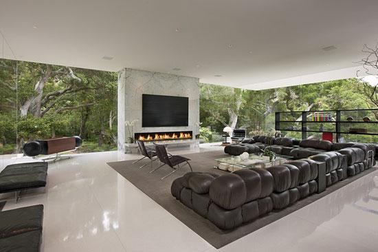 Glass Pavilion 3 Luxurious House