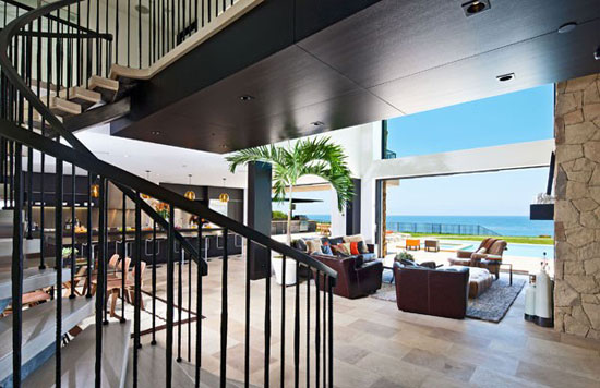 House in Malibu 2 Luxurious