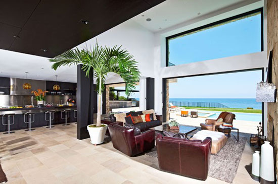 House in Malibu 3 Luxurious
