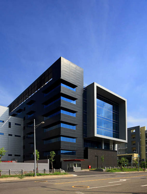 Huga Fab III and Headquarters Building in Taichung, Taiwan - Office Buildings Architecture