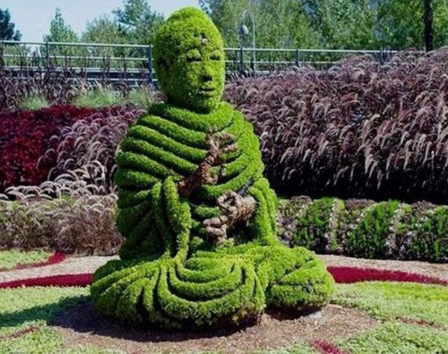 Green sculptures 8