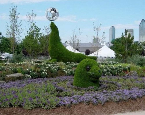 Green sculptures 9