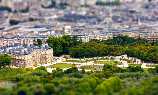 Toy Palace - A Beautiful Miniaturized World Captured By Tilt Shift Photography