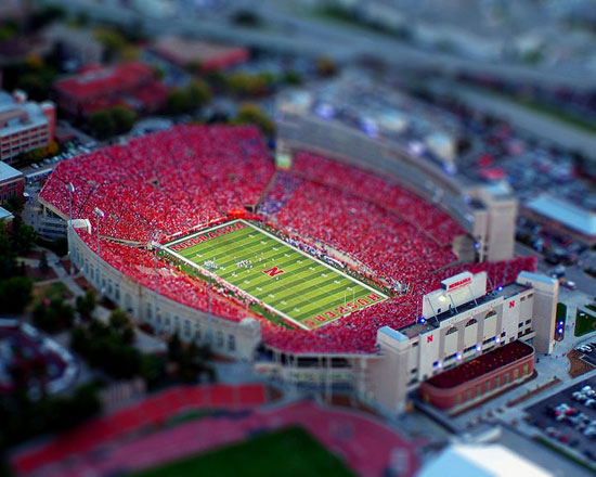 Little game - A Beautiful Miniaturized World Captured By Tilt Shift Photography