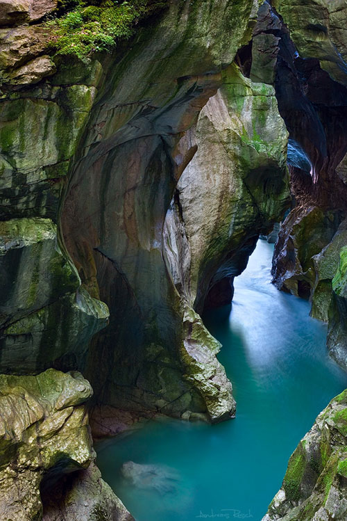 The Dark Gorge - Relaxing Waterscapes Photography