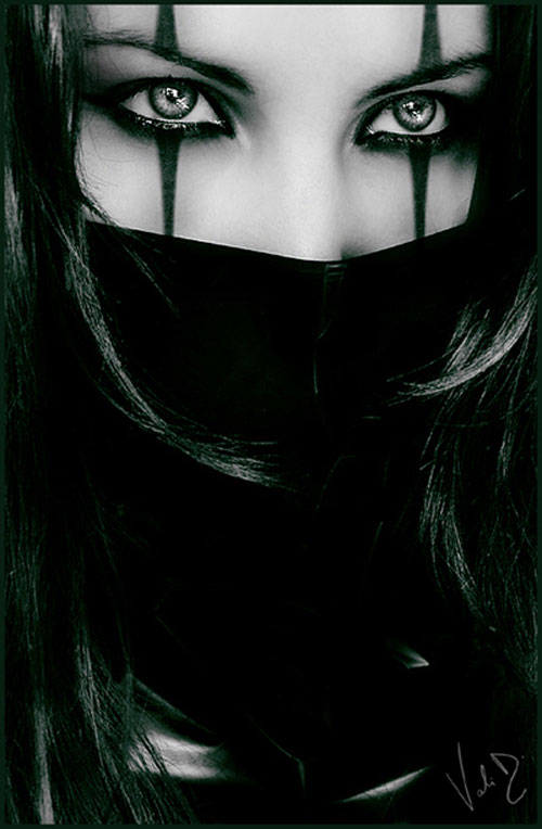 Killer harlequin woman photography