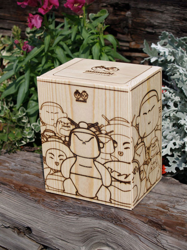 Mimushi Handcrafted Designer Figurines Wood Package Design Inspiration